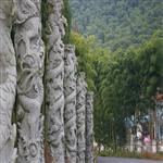 石雕盘龙柱、华表、图腾柱,