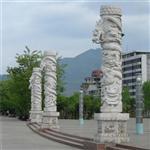 艺术石雕龙柱