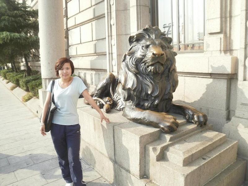 供应【精品推荐】石雕汇丰银行狮石狮子石雕北京狮国务院津贴工艺师雕