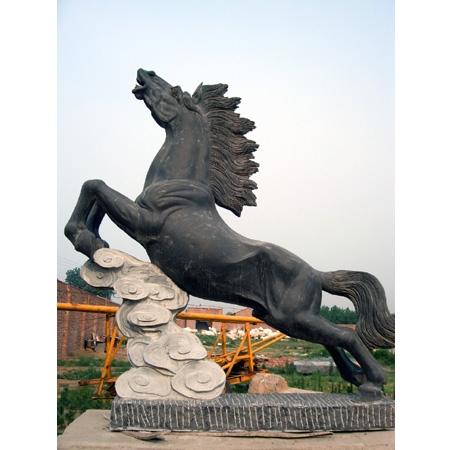 供应至善各种型号石雕马踏飞燕马超飞鹰,石雕马骏马