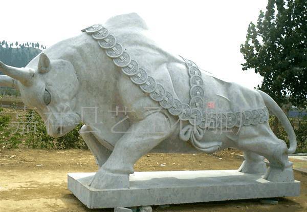 山东嘉祥石雕公司出售各种样式的石雕牛 拓荒牛 华尔街牛