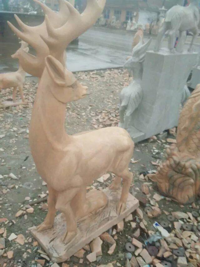 石雕鹿 汉白玉晚霞红石雕梅花鹿 石头雕刻小鹿 石雕羊雕塑